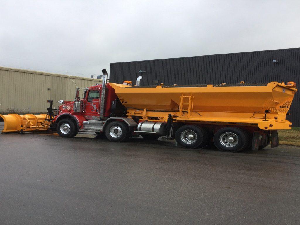 Épandeur de sel double pour camion déneigement / déglaçage